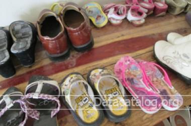 ขายรองเท้ามือสองเป็นอาชีพอิสระต้นทุนต่ำ