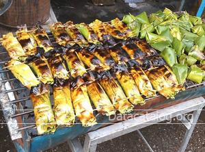 ส่วนผสมและวิธีทำข้าวเหนียวปิ้งไส้กล้วยและไส้เผือก